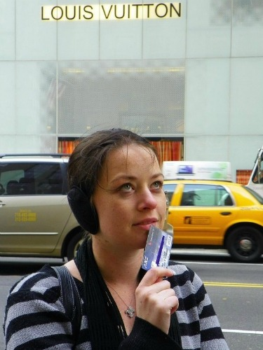 Borrow money on credit card to travel?